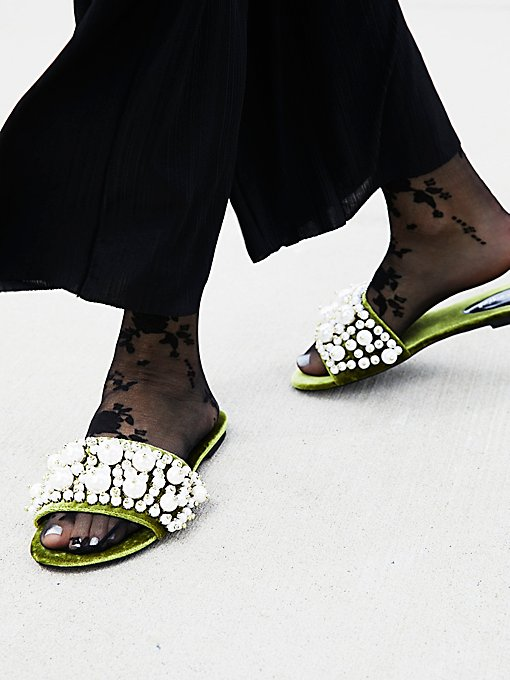 Product Image: Pixie珍珠装饰凉拖