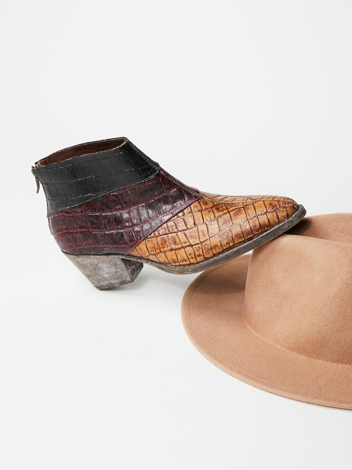 混合镶边西部风格靴