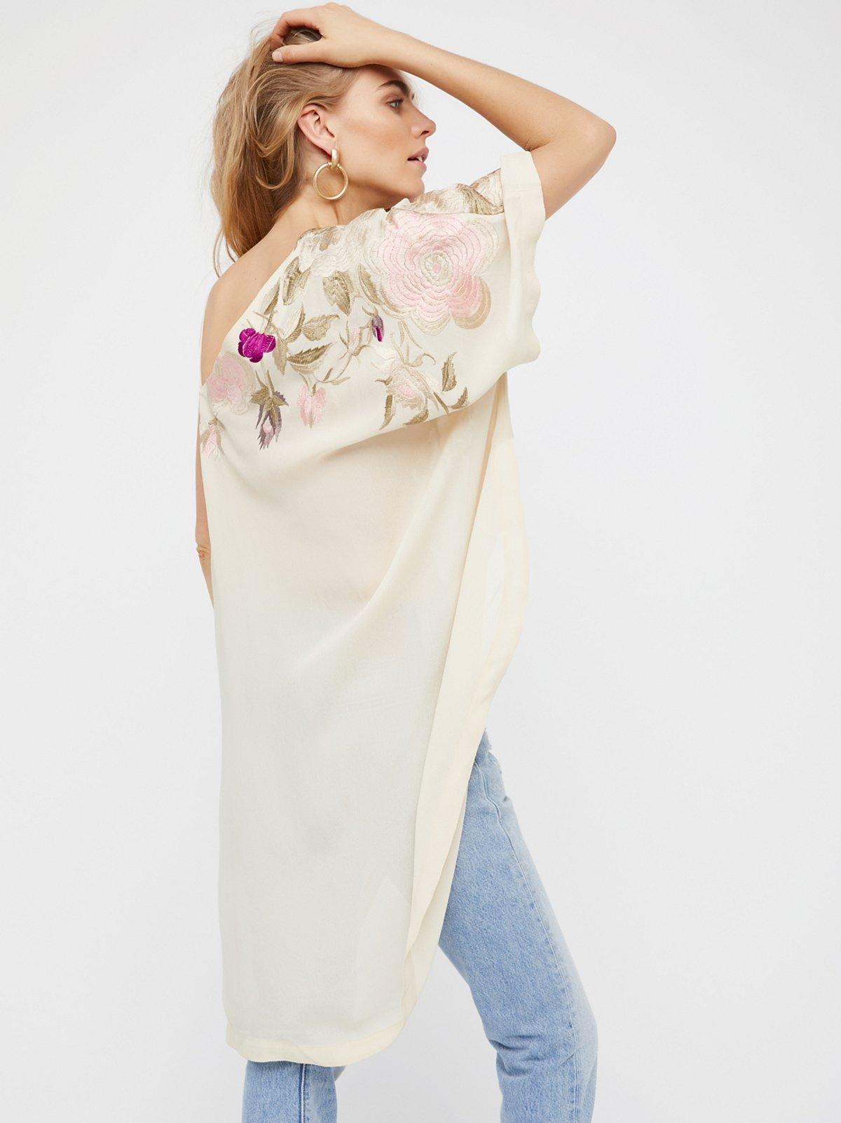 Shanti刺绣裙衫
