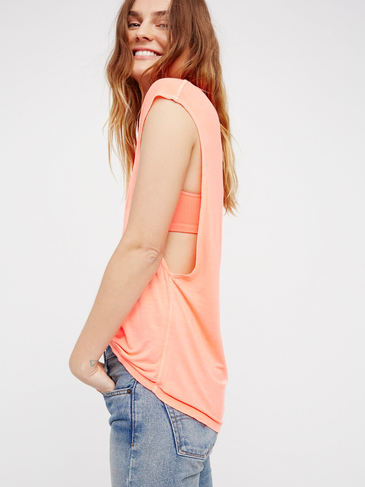 The It Muscle Tee