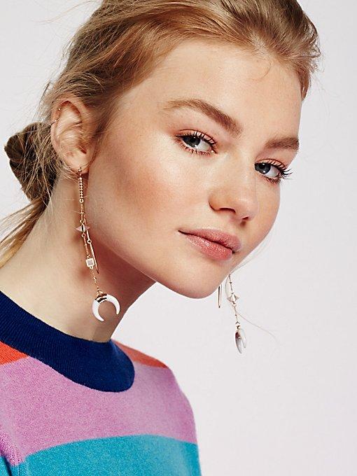 Product Image: Sabina牛角形钟摆式耳环