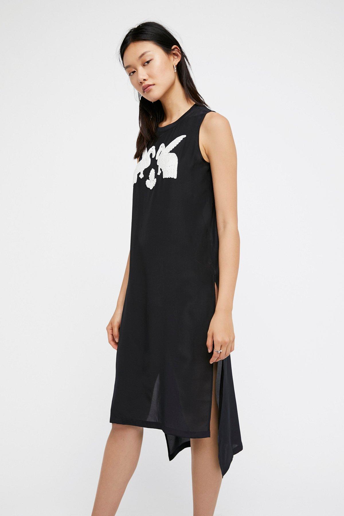 朱鹭鸟T恤式连衣裙