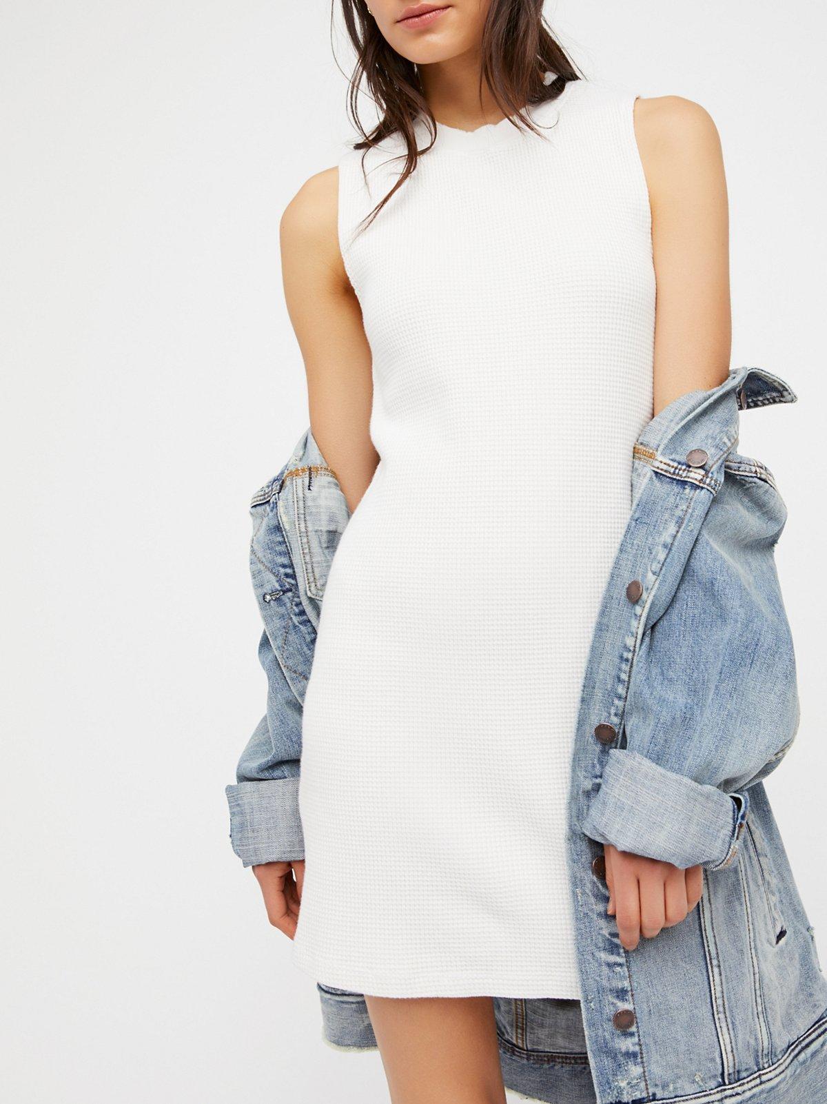 Oh My, Those Tight Dresses (57 pics) - Izismile.com