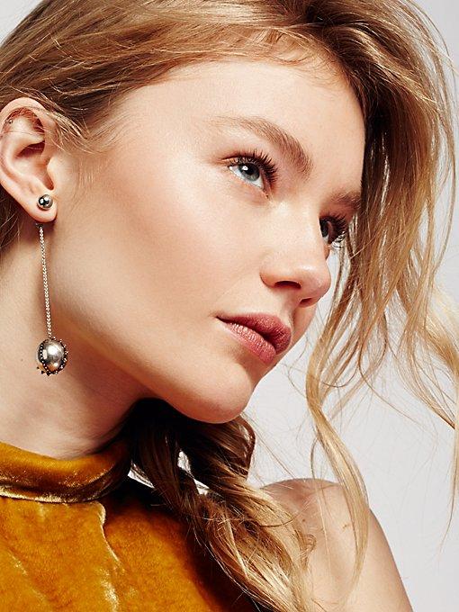 Product Image: Baroque Chain Pendulum Earring