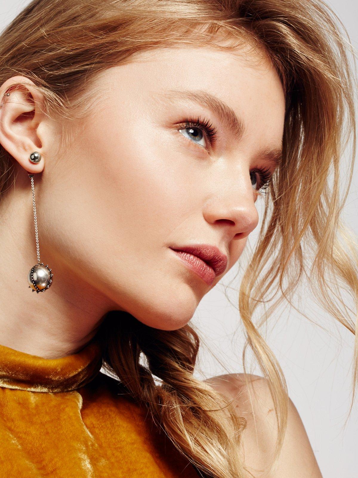 Baroque Chain Pendulum Earring
