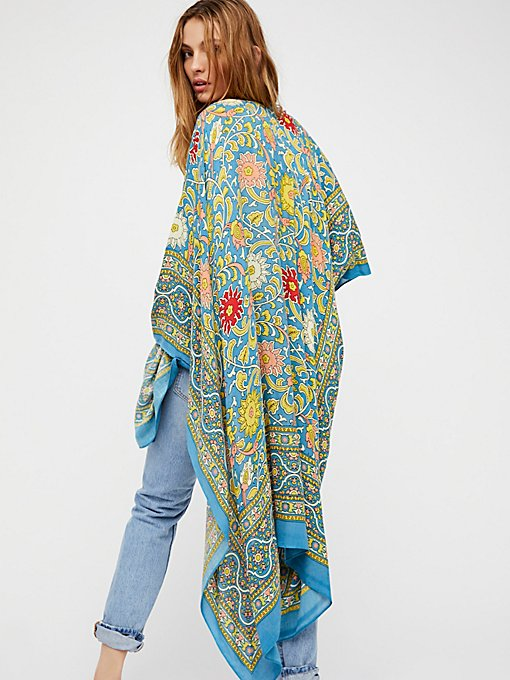 Product Image: Magic Dance Border Print Kimono