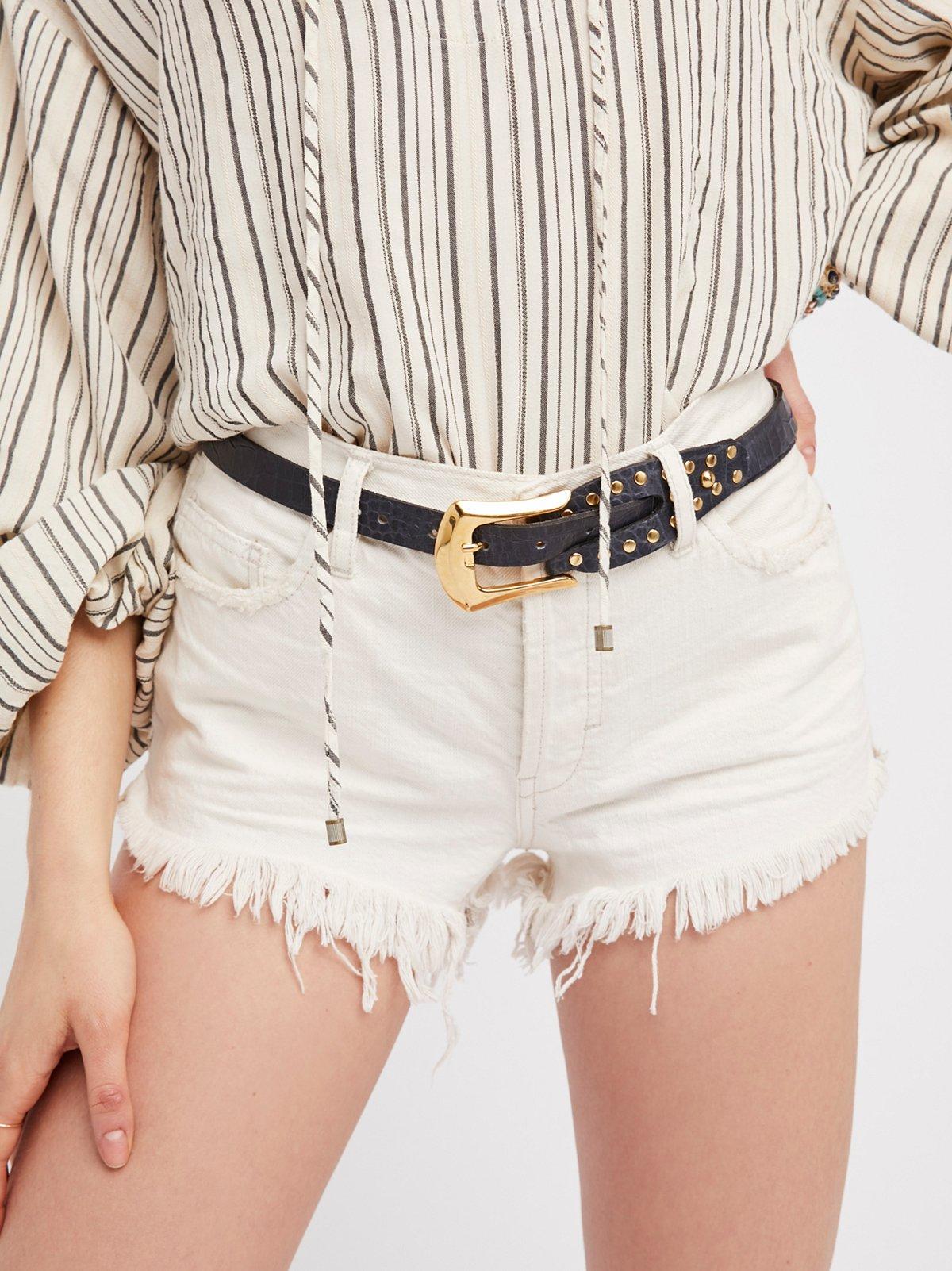 Sleek Stud Leather Belt
