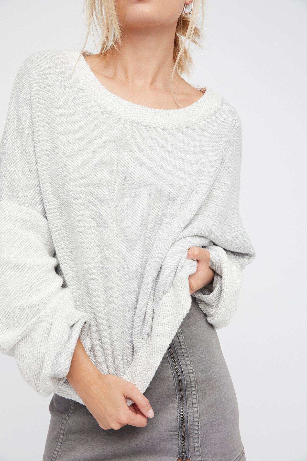 Wonderland Pullover