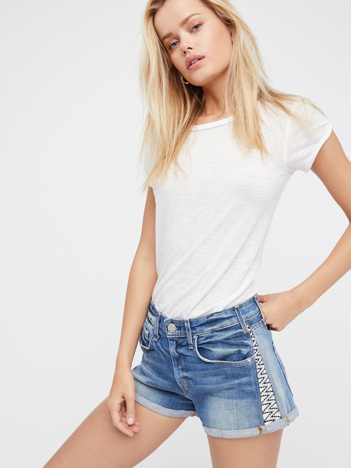 Daiquiri Embroidered Short