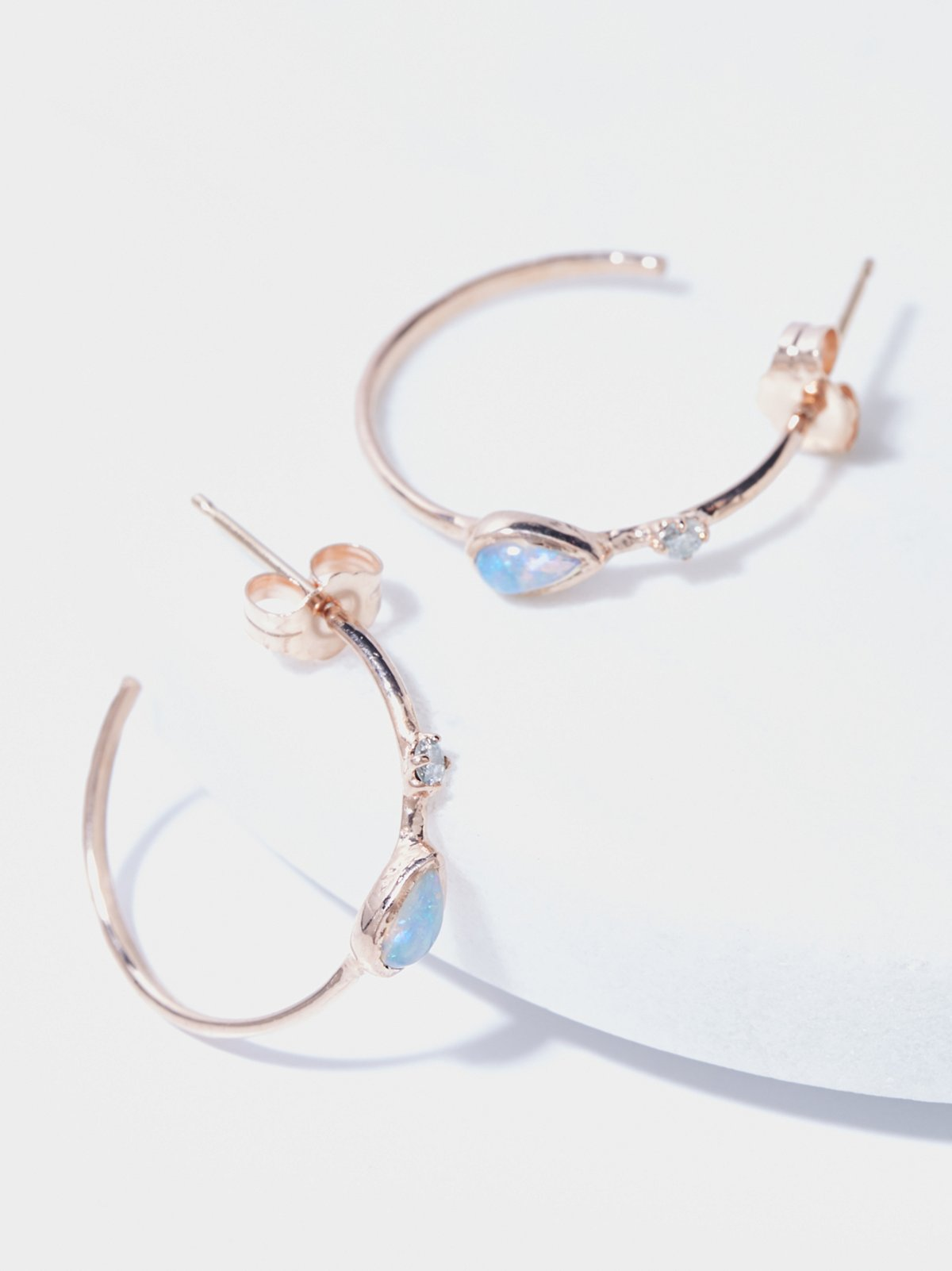 14k Guided Light Diamond Hoops