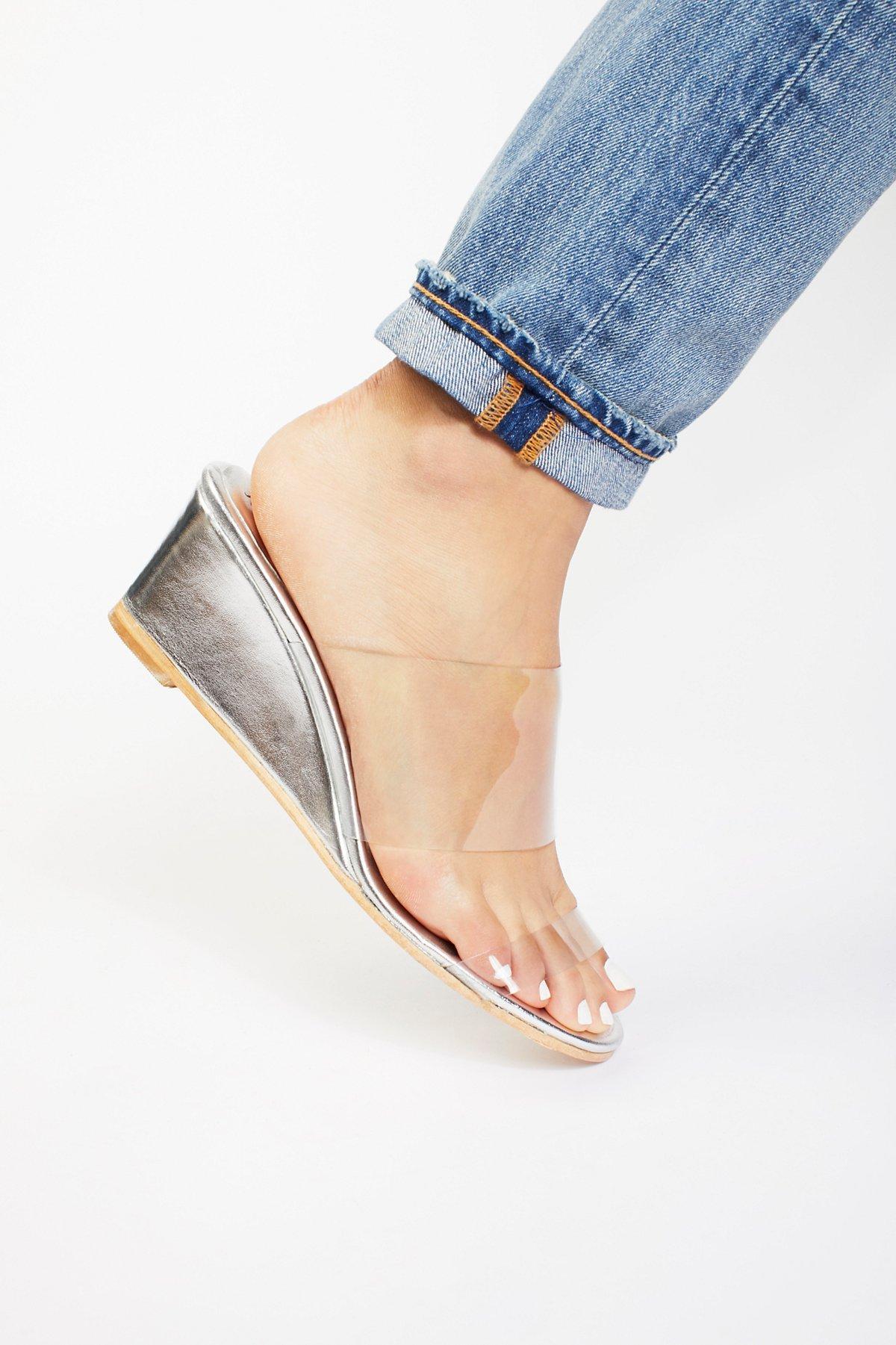 Dewan Wedge Sandal