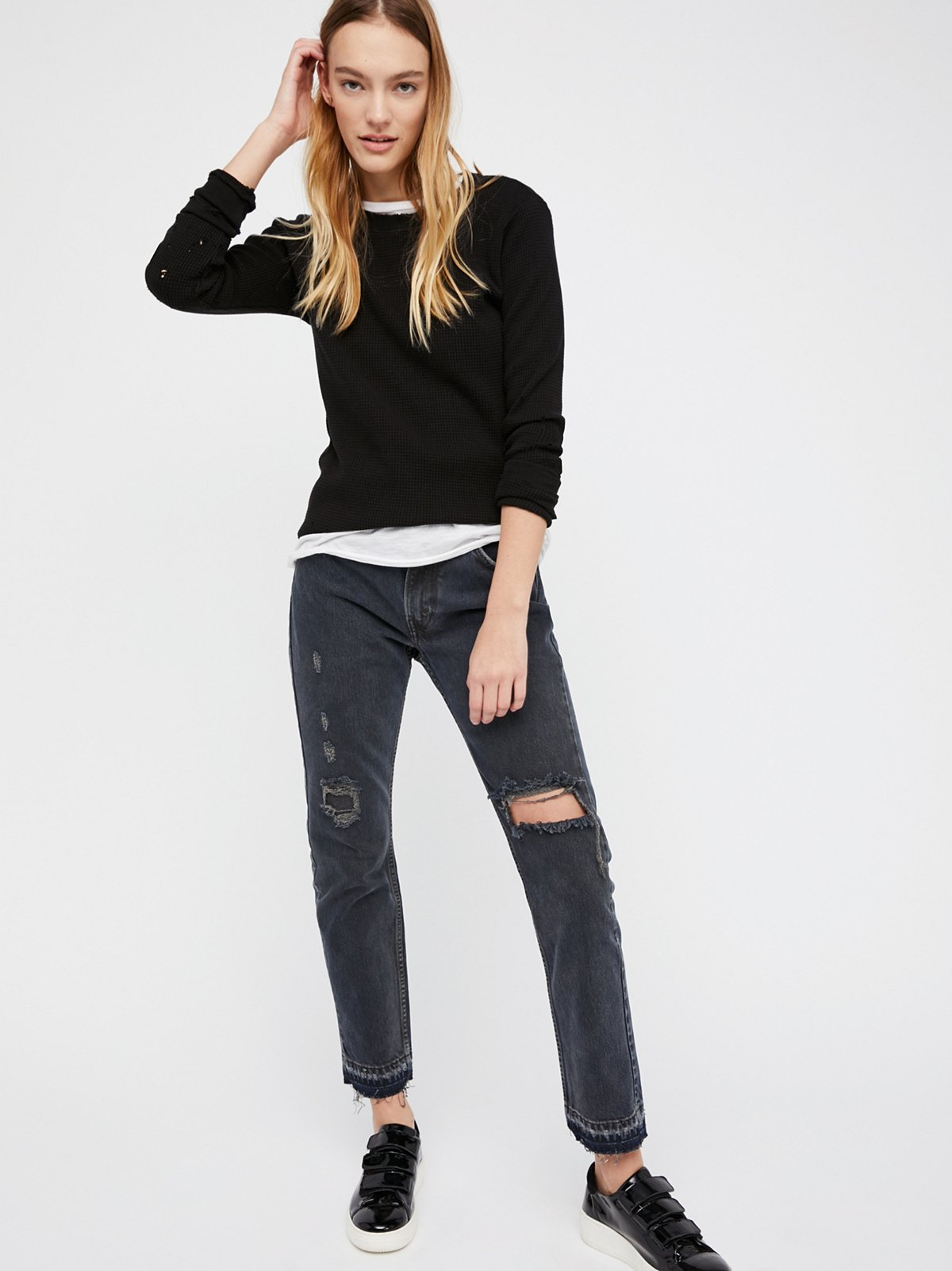 501c Distressed Crop Jeans
