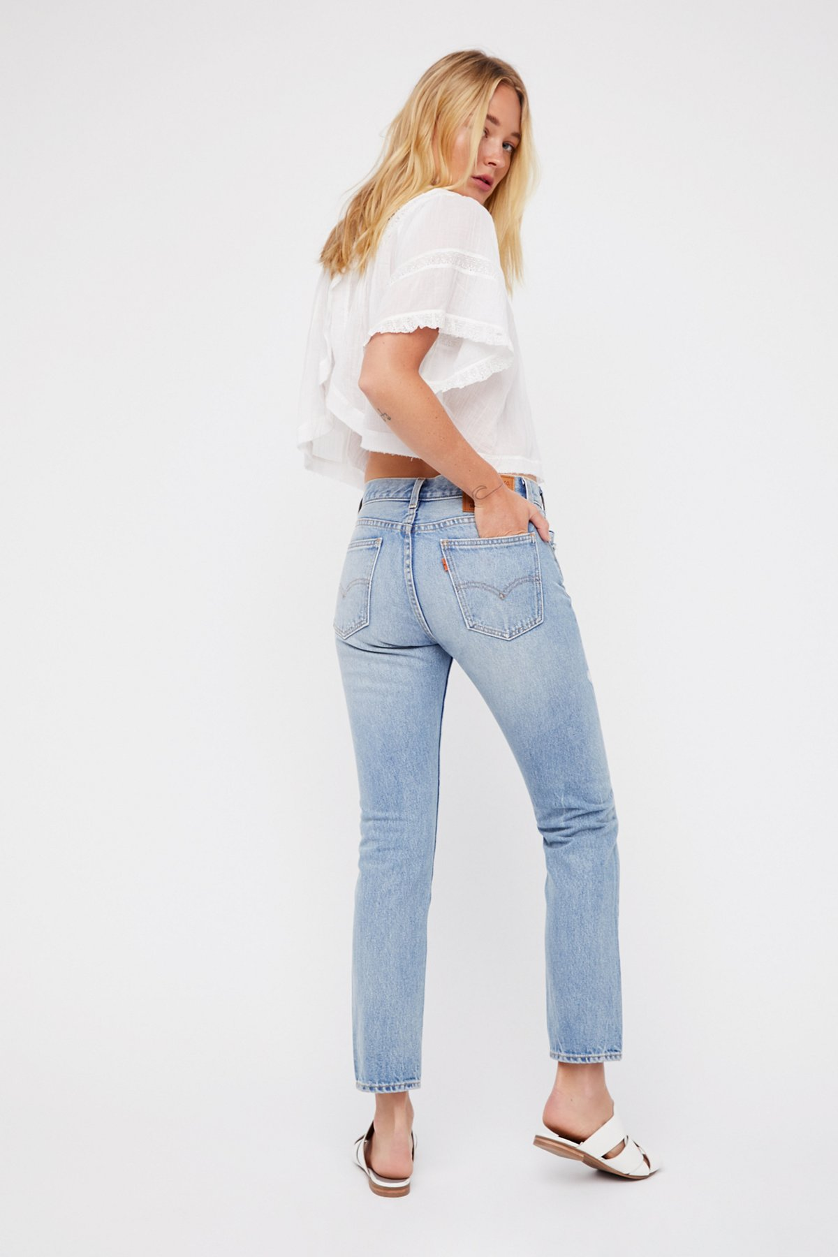 505c Distressed Crop Jeans