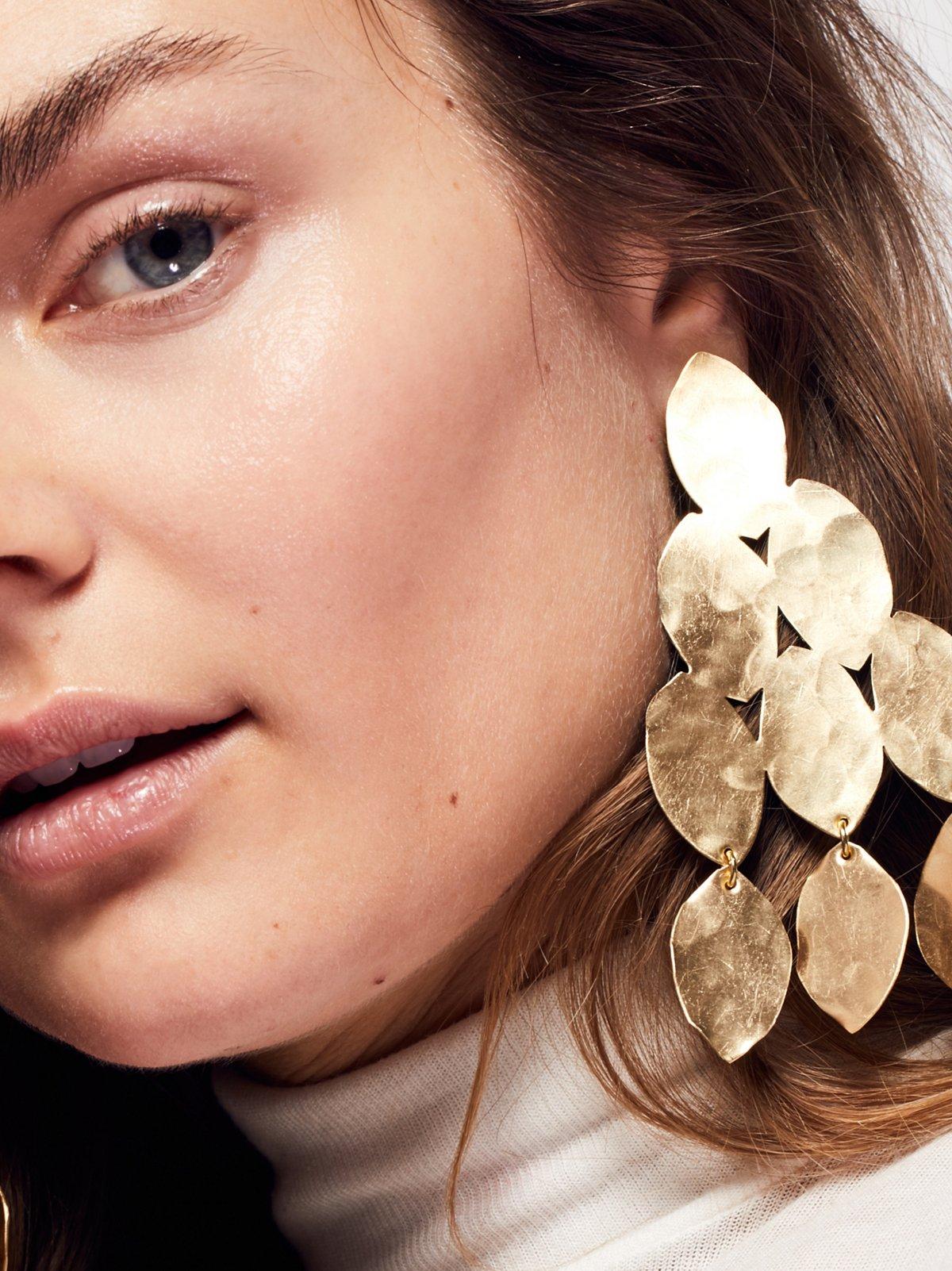Hibiscus Patina Earring