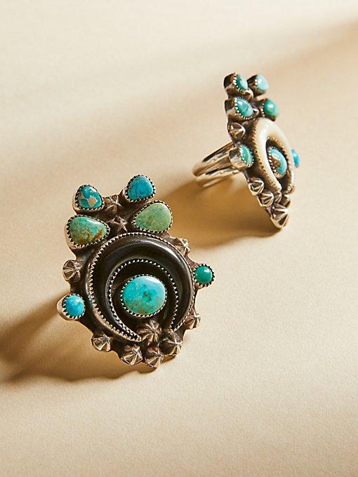 Product Image: 绿松石牛角戒指