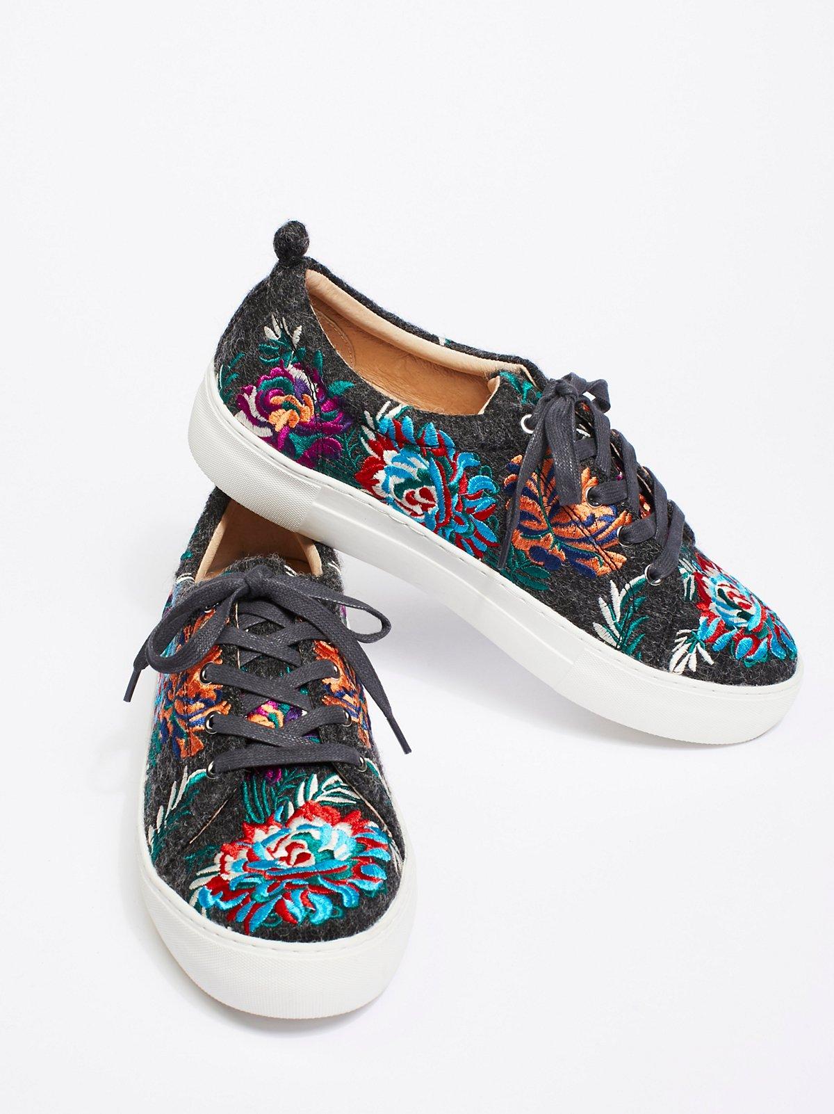 菊花图案运动鞋