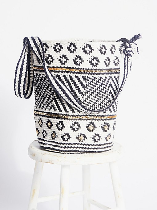 Product Image: Azul Crochet Bag
