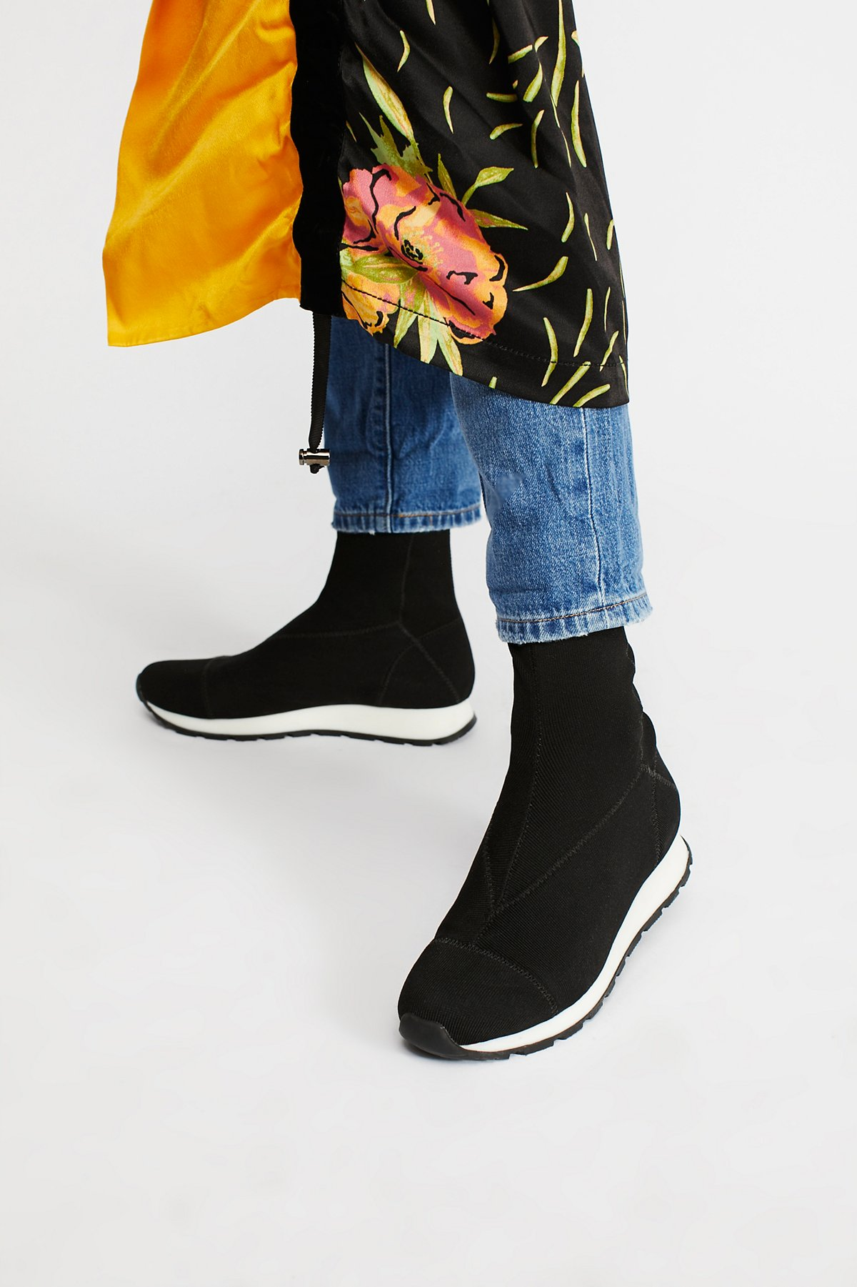 Astral Trainer Boot