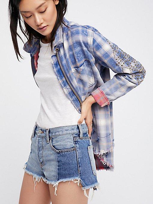 Product Image: 拼接阶梯状裤脚短裤