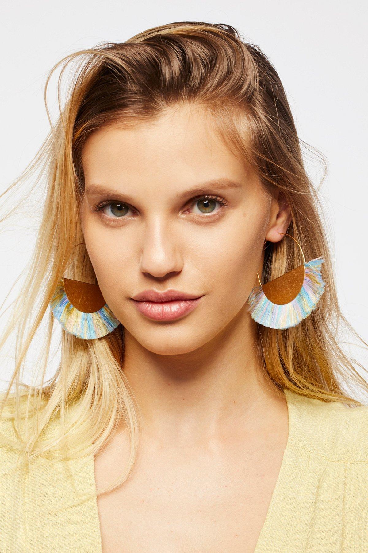 扇形装饰耳环