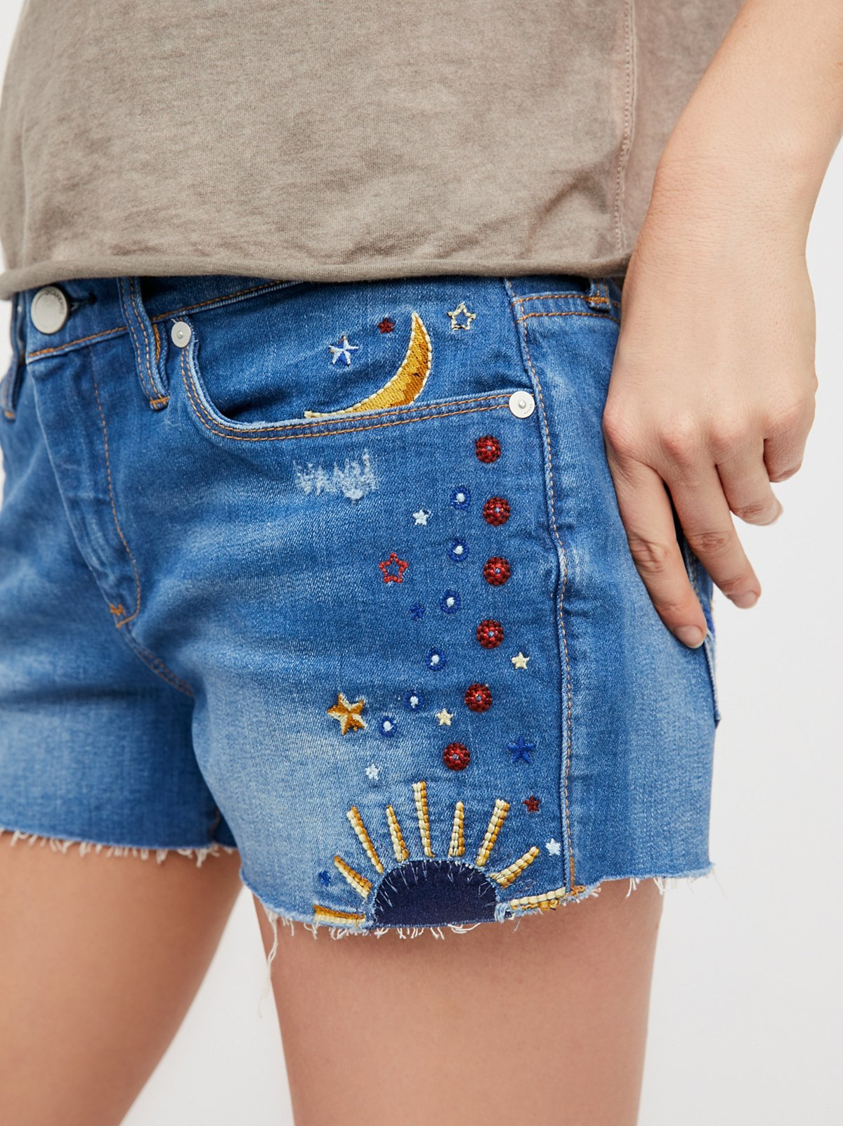 Chain Toker Embroidered Short