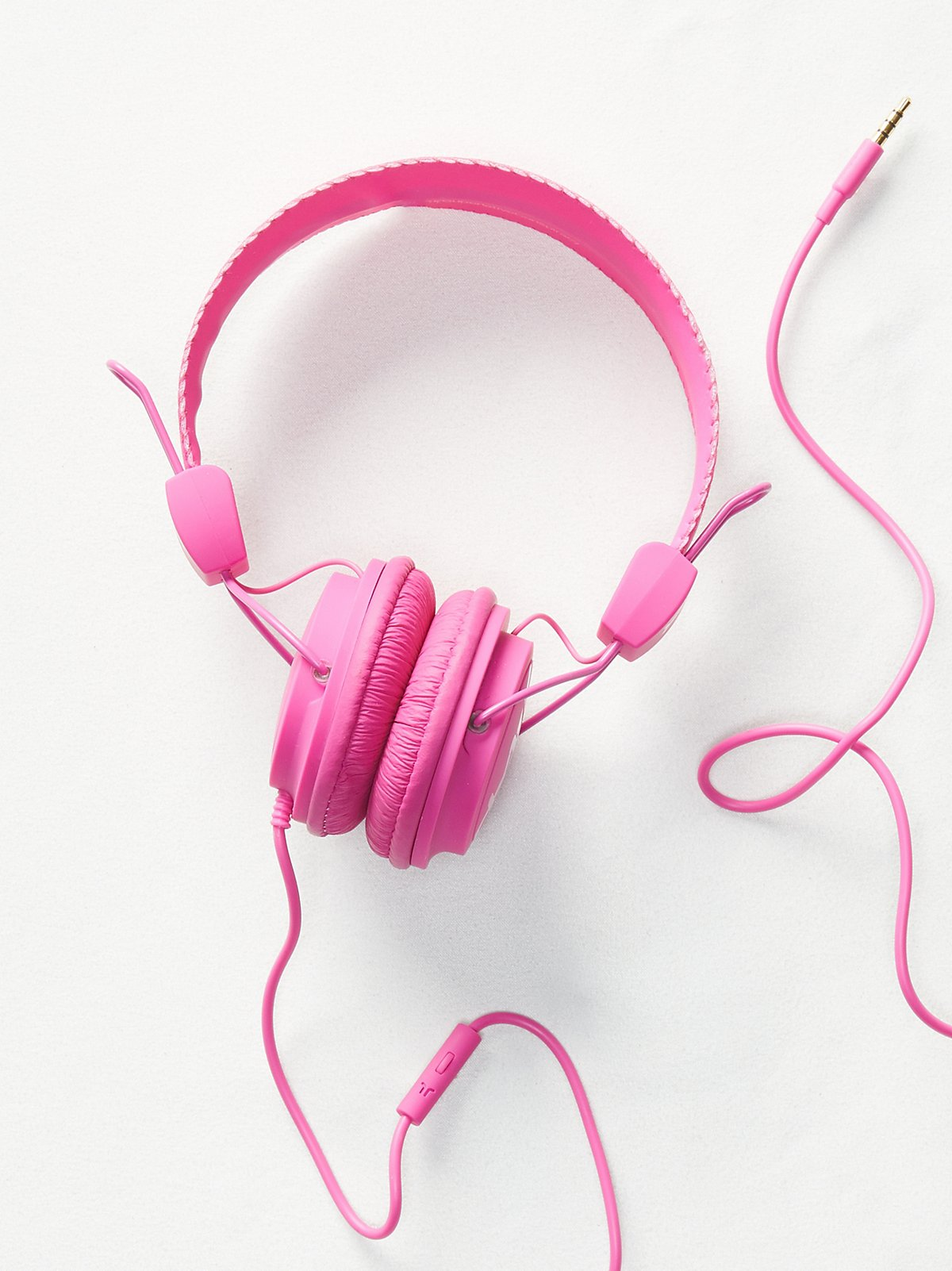 WESC Matte Conga Headphones