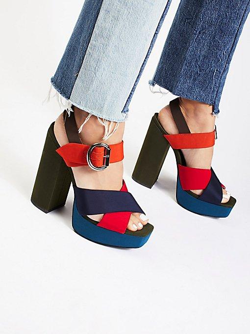 Product Image: Daze厚底鞋