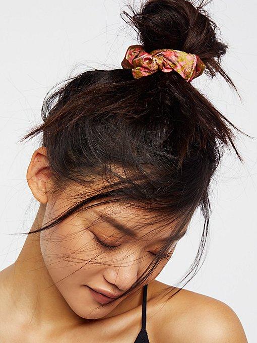 Product Image: 印花天鹅绒发圈