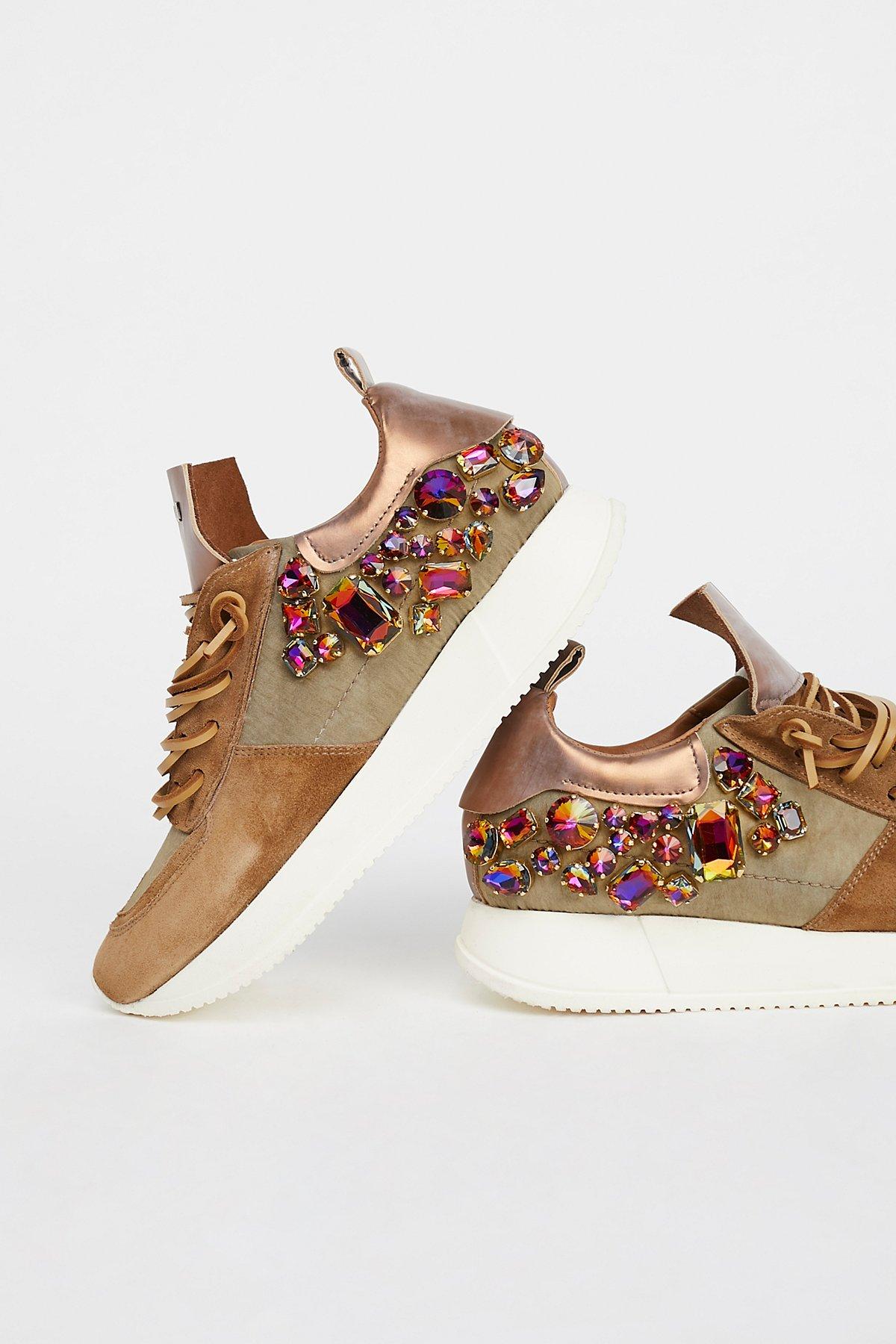 Ramapo宝石装饰运动鞋