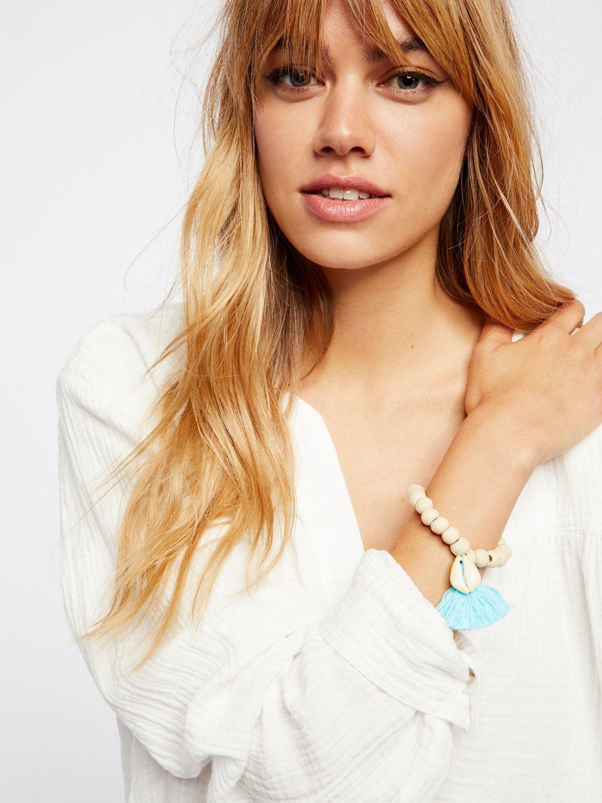 Tasseled Wooden Shell Bracelet