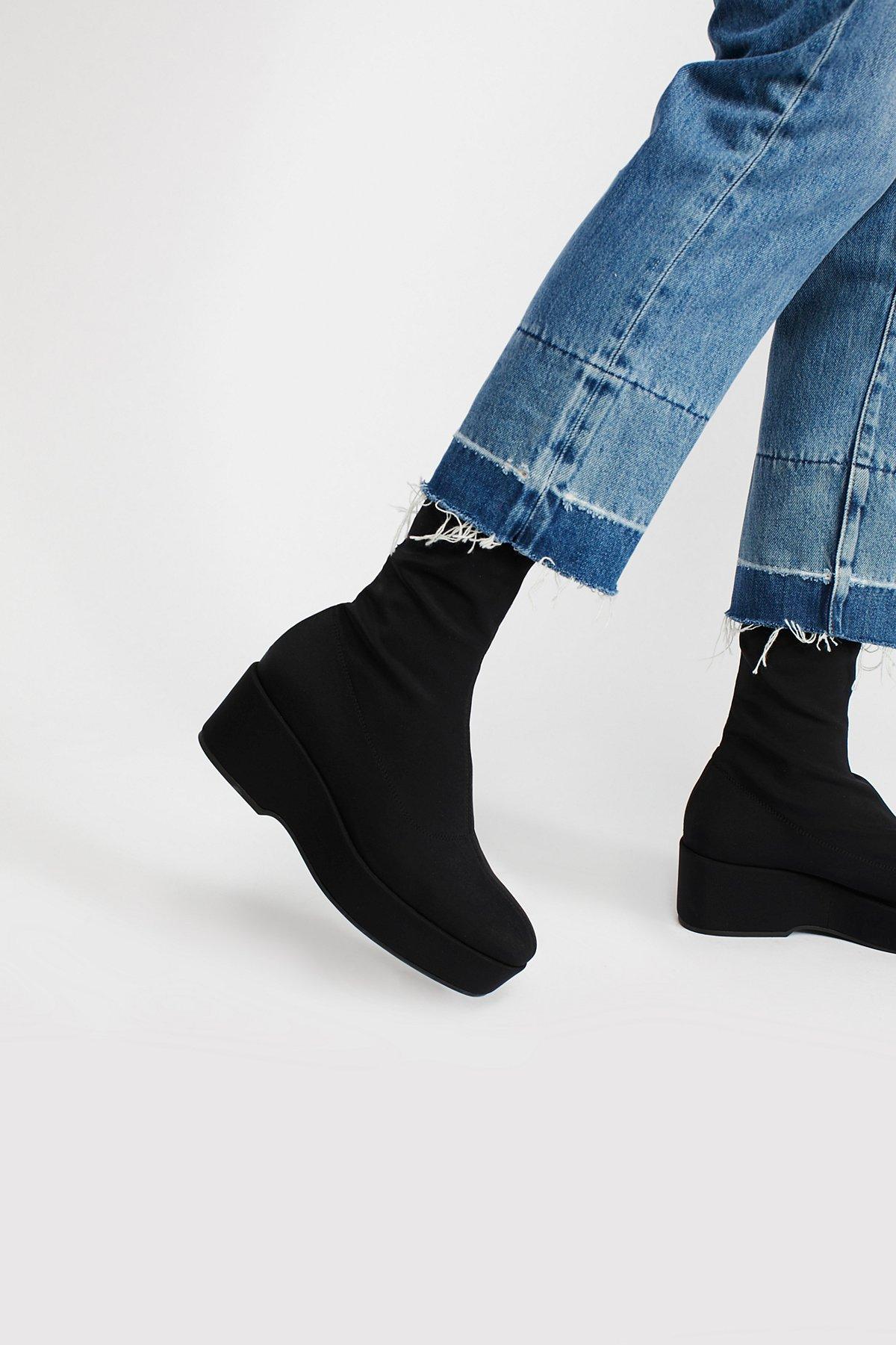 Pia Stretch Platform Boot