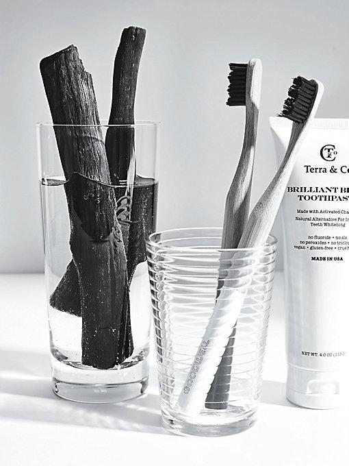 Product Image: Brilliant Black牙膏与牙刷