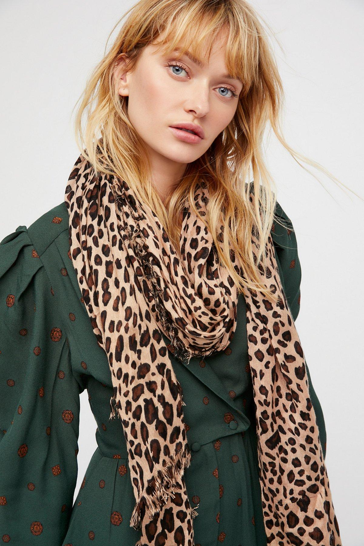 Jungle Love印花围巾
