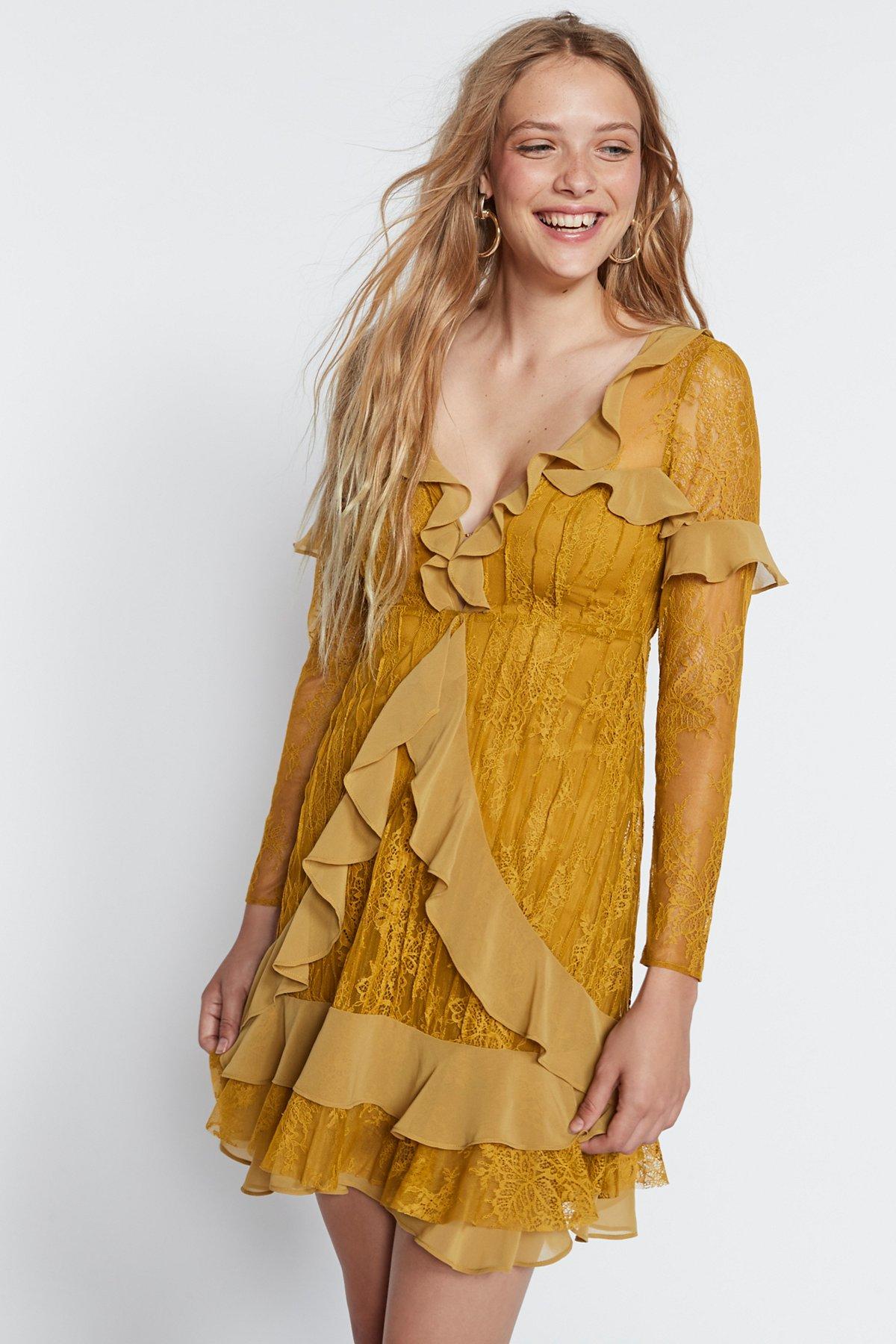 Daphne Lace Mini Dress