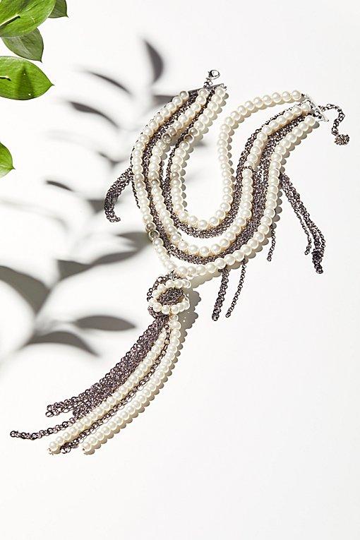 Product Image: Pearl x Chain Knot Necklace