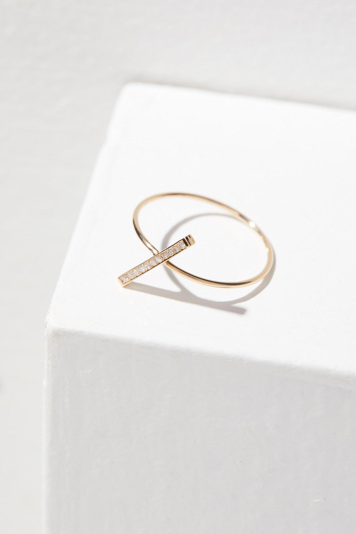 14K White Diamond Z Ring