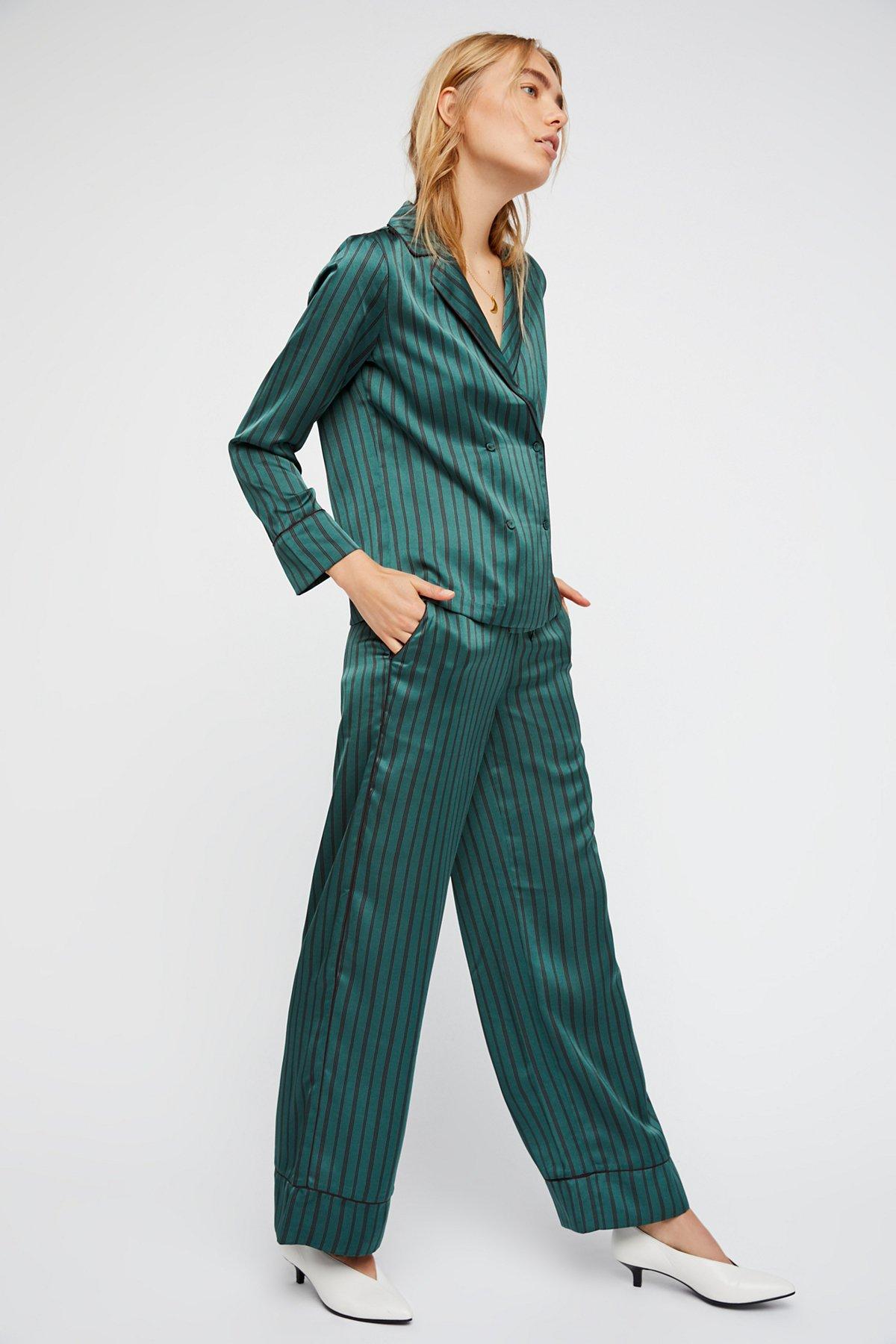 条纹丝感西服套装