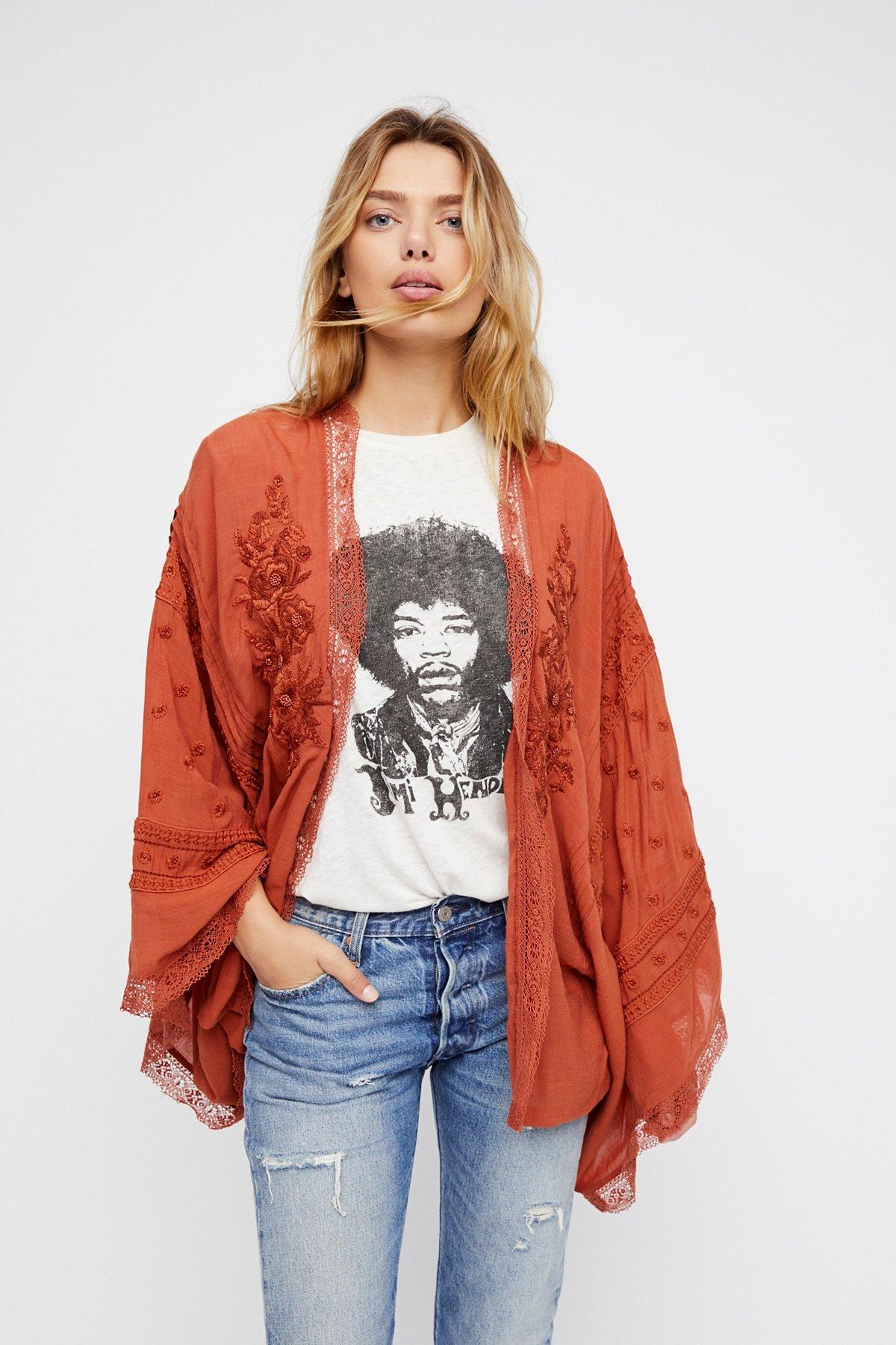 Corazon Kimono