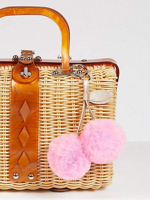 Product Image: 人造毛皮樱桃绒球包袋装饰