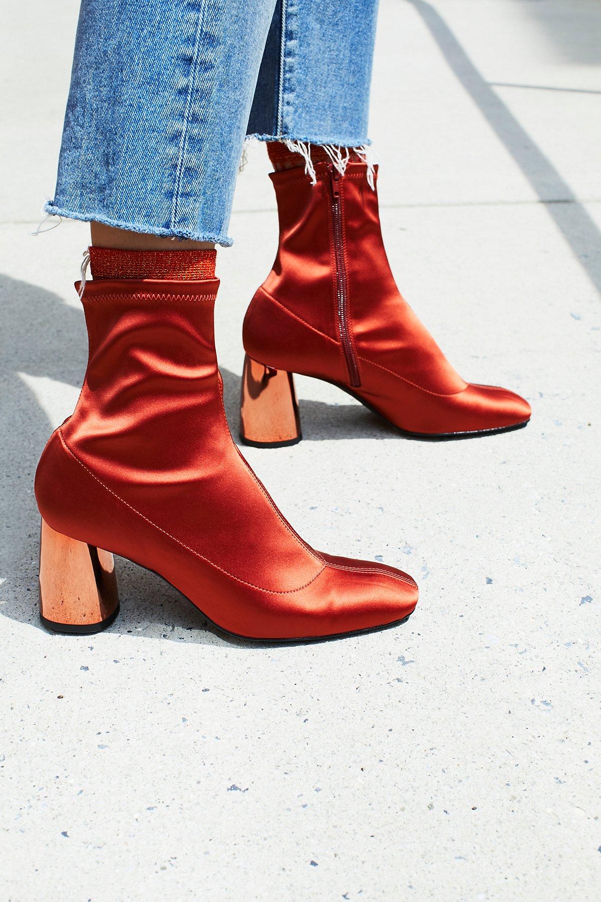 Spectrum袜靴