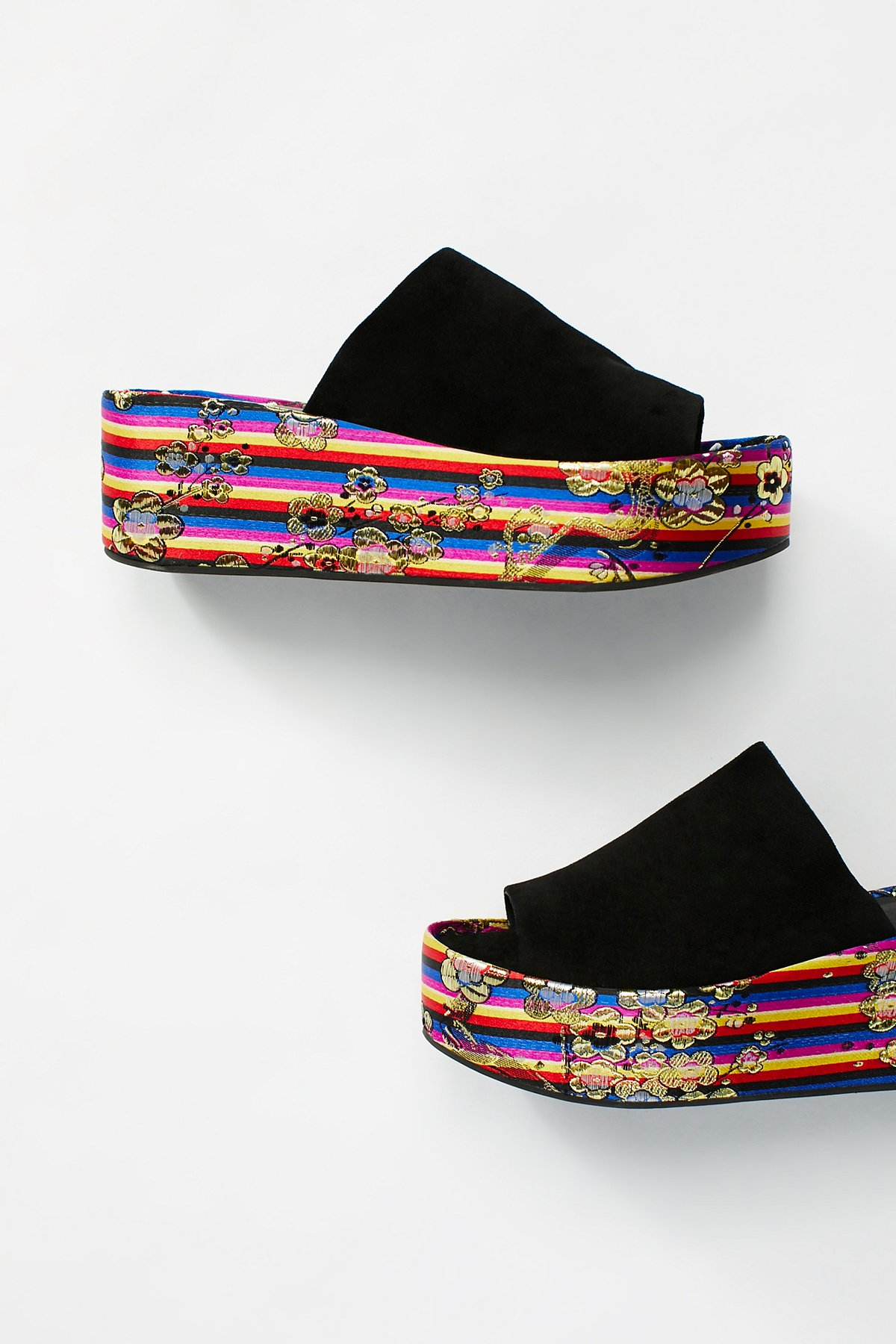 Carnival厚底凉鞋