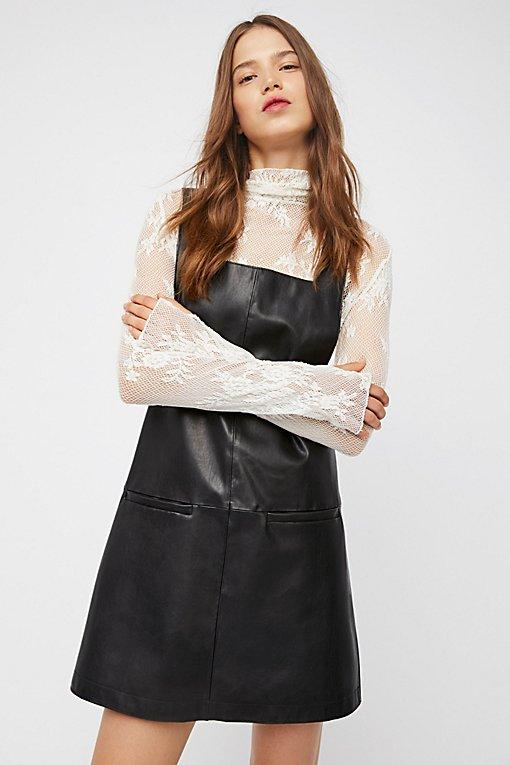 Product Image: 人造革迷你吊带连衣裙