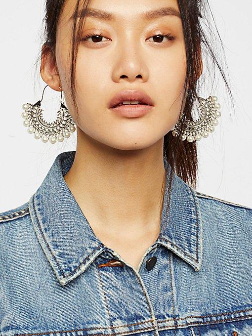 Product Image: 珠光宝石耳环