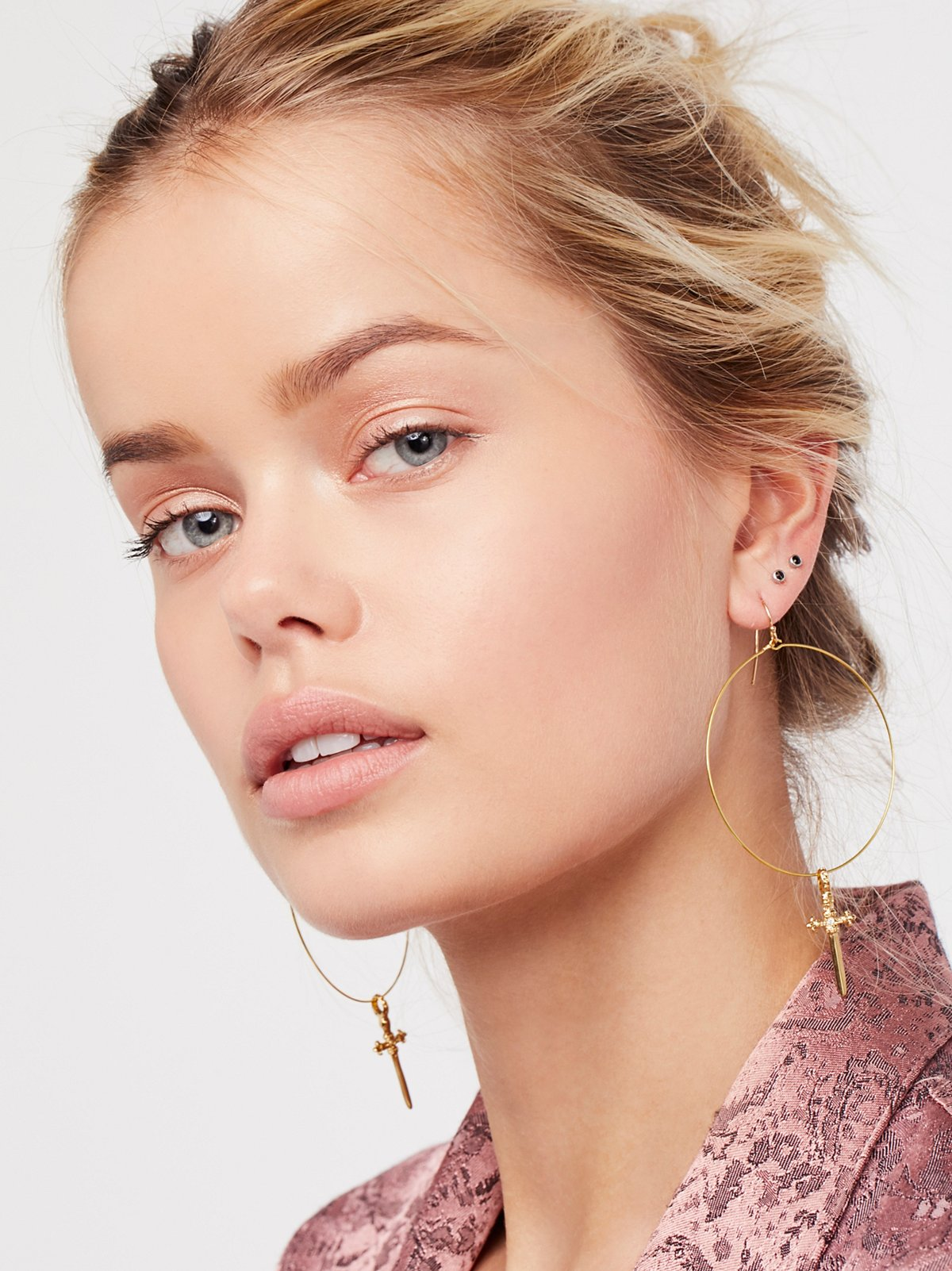 Brielle十字耳环