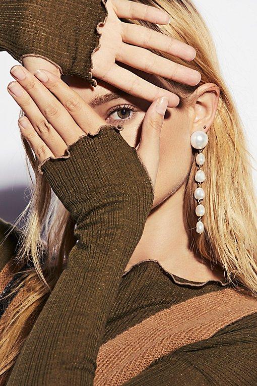 Product Image: Pretty in Pearls Drop Earrings