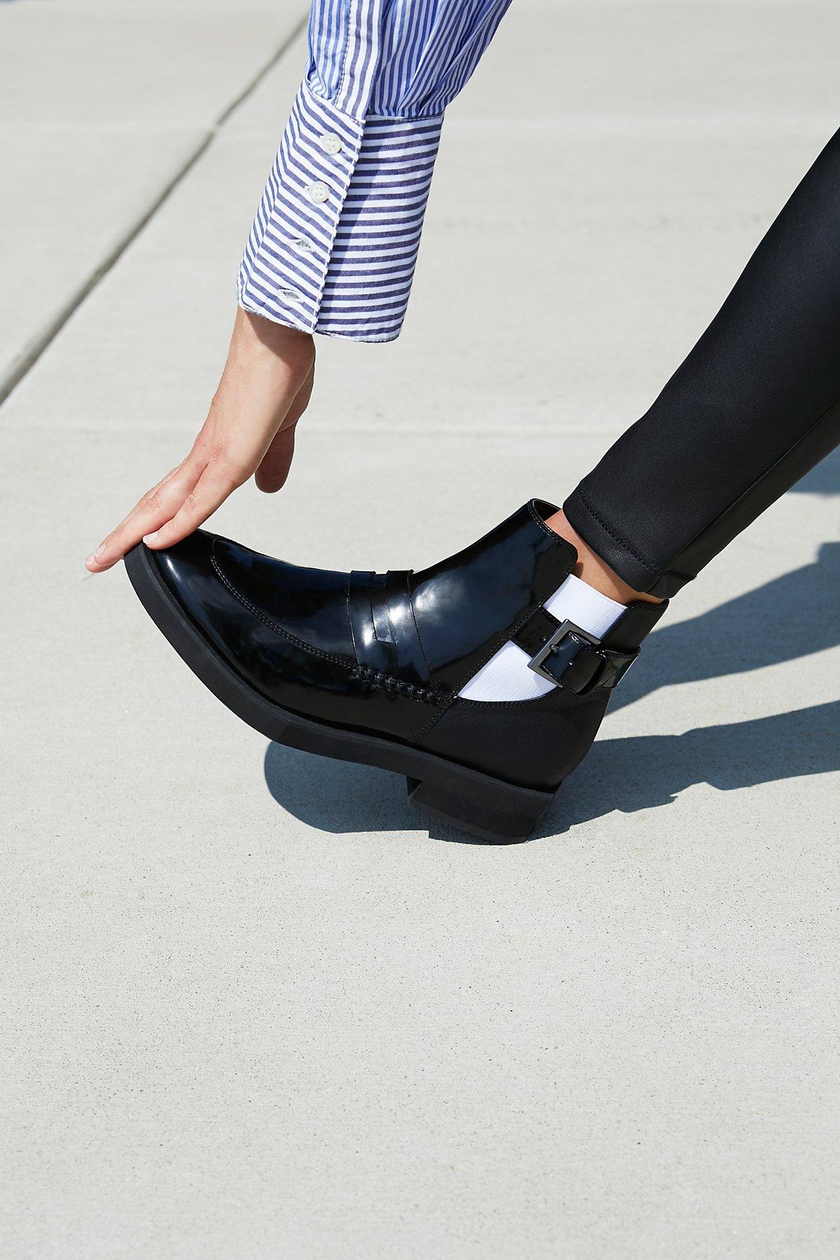 纳帕革靴子
