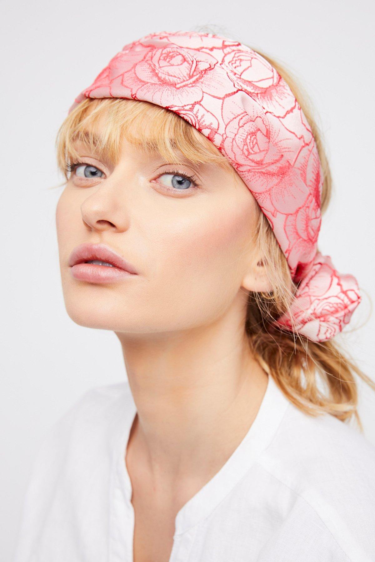 Kristin绕线式头巾