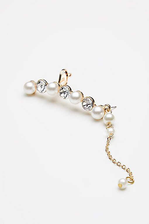 Product Image: Linear Pearl Drop Ear Cuff